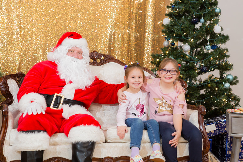FADS Picture with Santa-244.jpg