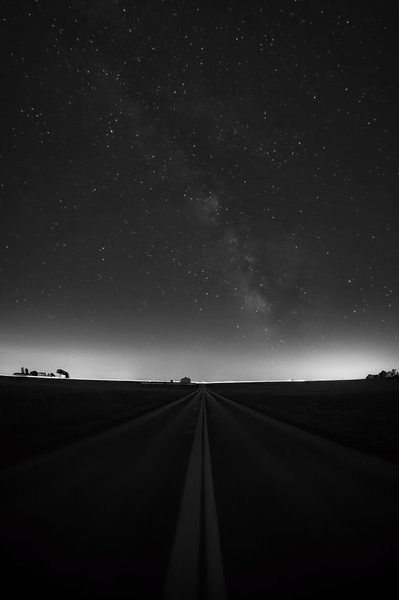 milky way - portrait Hollow Road 6-8-16 (p, bnw).jpg