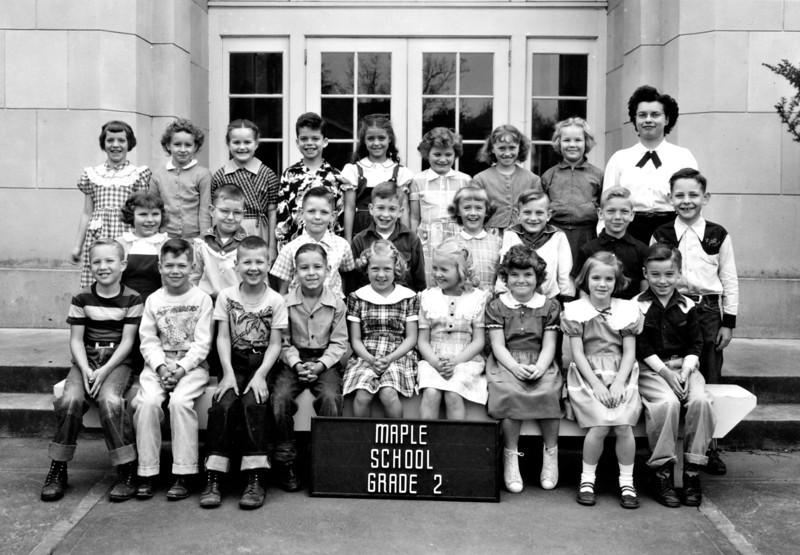 Carole Class Maple School 2.jpg