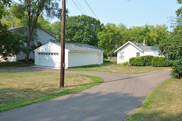 2611 Ariel St., Maplewood