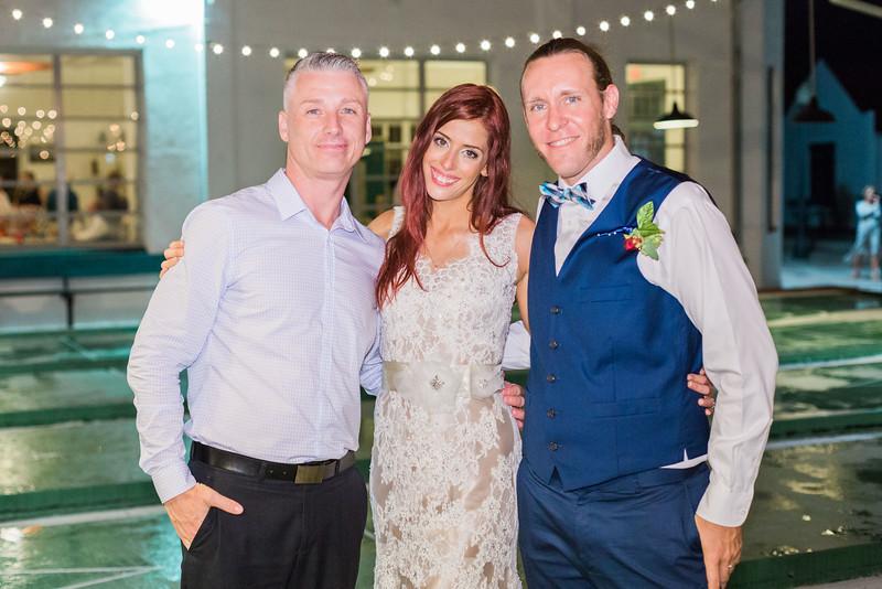 ELP1015 Tara &Phill St Pete Shuffleboard Club wedding reception 531.jpg