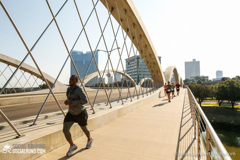 Fort Worth-Social Running_917-0404.jpg