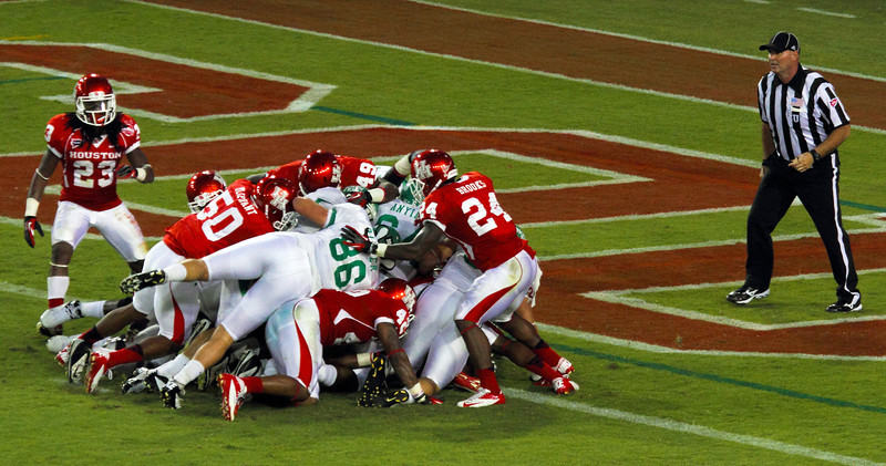 UH goal line stand fails to keep UNT out of the end zone