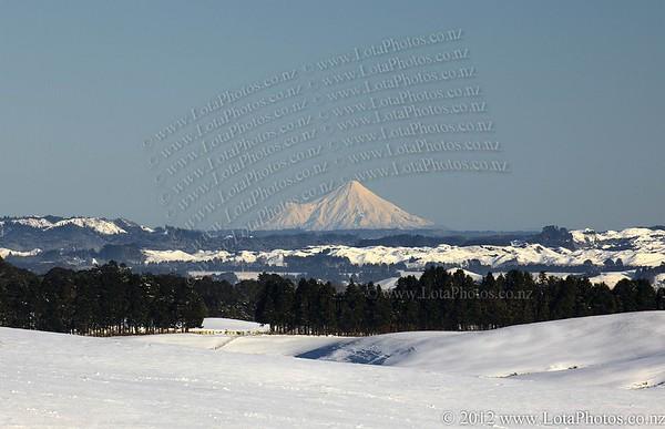 20110726 0858 Snow in Oakune _MG_9277a b