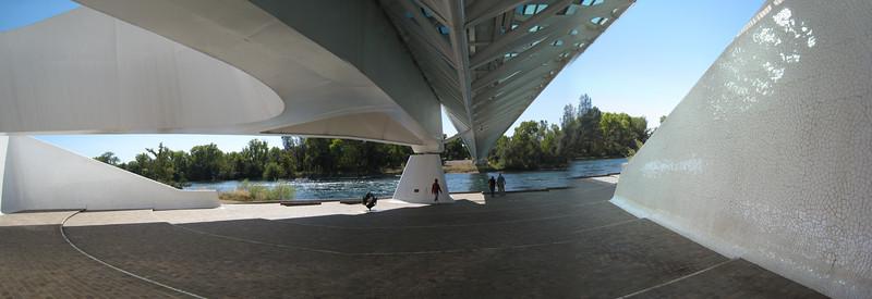 Sundial Bridge 09-20-07 Web Size 12.jpg