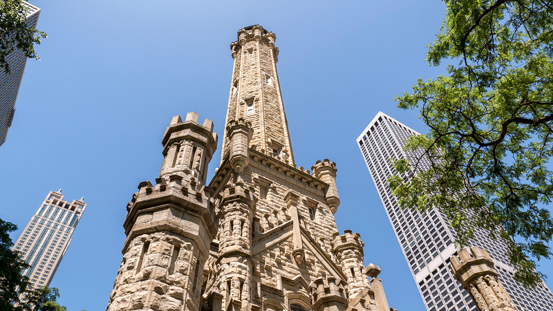 Chicago-MagnificentMile05.jpg
