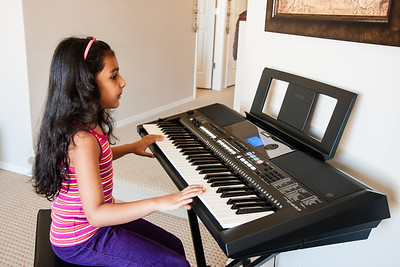 Sakshi's first day on Piano -Aug 2013