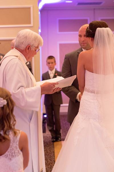 Matt & Erin Married _ ceremony (205).jpg