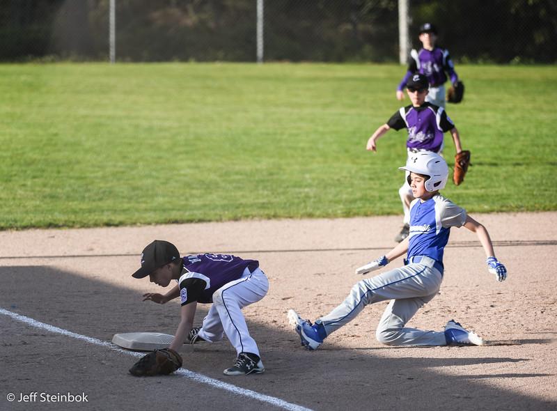 04-24 vs SLL Dodgers (5 of 18).jpg