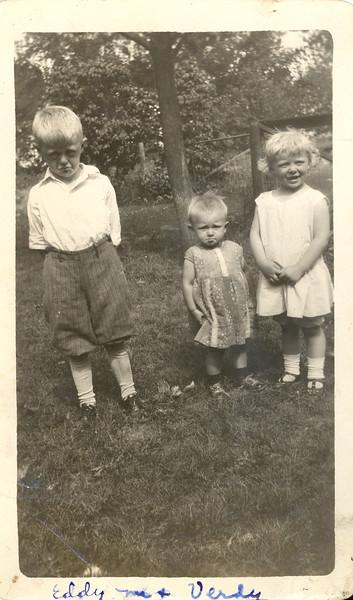 Olson kids (eddy, Dolores, Verdella) - ~1932.jpg