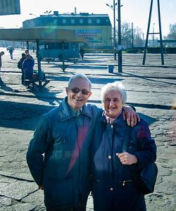 Mama i Tata zegnaja mnie na stacji autobusowej, Starachowice, Poland
