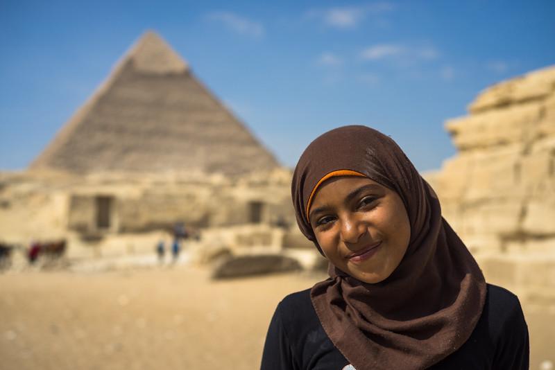 Vendedora de baratijas en Cairo. Egipto
