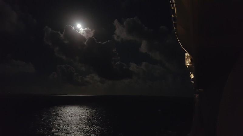 Moon_20160223_195219.jpg