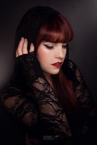Model: Frau Pfau & Photo: DanielR. Photography