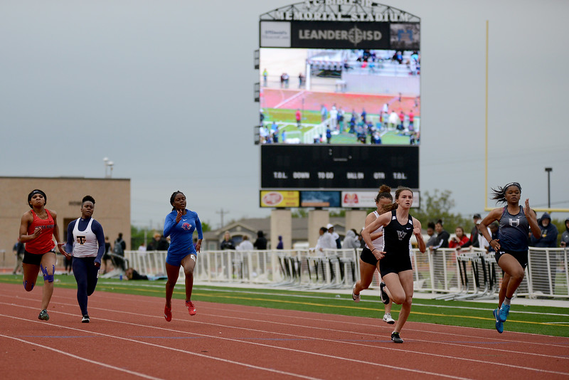 HS-Track-13-6A-District-Championships_021.jpg