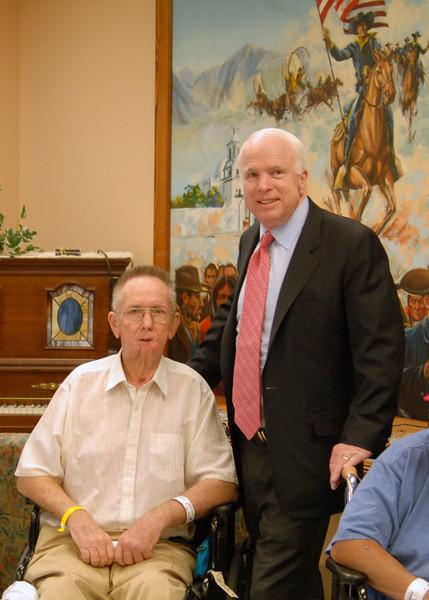 Sen McCain PVAHCS Visit 5-1-2010 5-25-24 PM.JPG