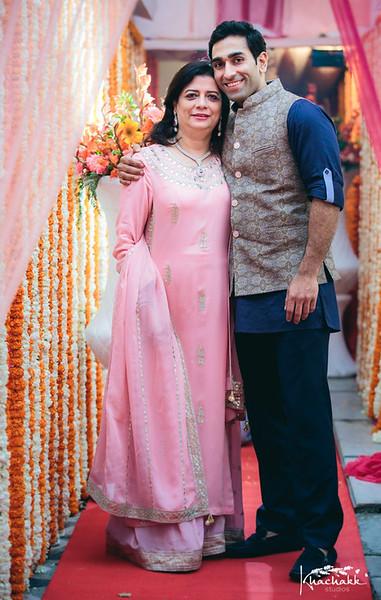 best-candid-wedding-photography-delhi-india-khachakk-studios_17.jpg