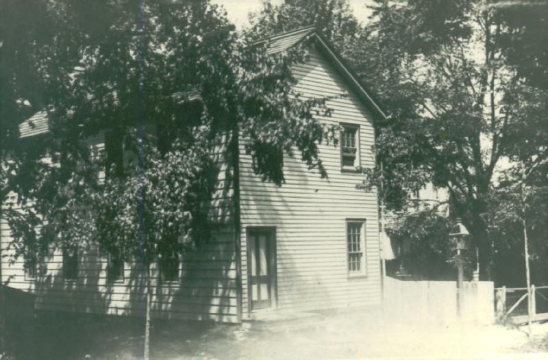 School on Burnet ave. circa 1900.jpg