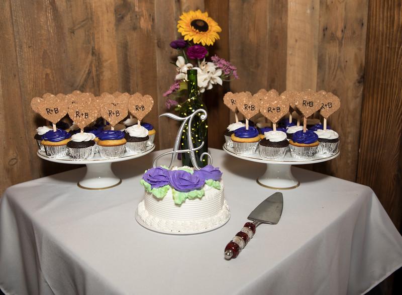 Cake table 2.jpg
