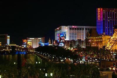 Las Vegas By Night (64996488).jpg