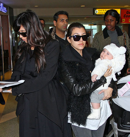 2013-01-14 - Kim Kardashian, Kourtney Kardashian, Penelope