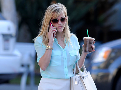 EXC: Reese Witherspoon Has Name On Coffee Cup!
