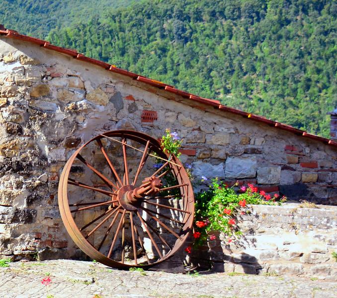 Italy Trebbio wheel  ms 1.jpg