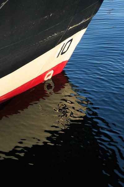 Boat bow-4309.jpg