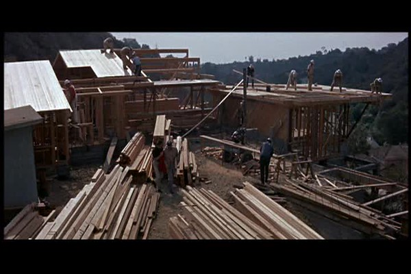 StrangersWhenWeMeet_ResidentialConstruction_48-20.avi