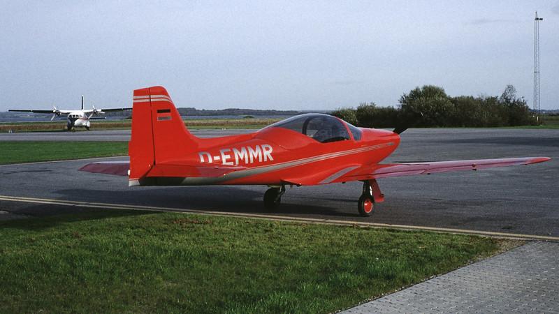 D-EMMR-LaverdaF8LFalcoIV-Private-EKSB-1994-9-DG-28-KBVPCollection.jpg