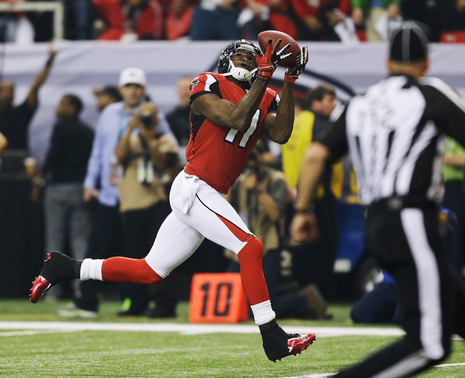 . Atlanta Falcons\' Julio Jones catches a 46-yard touchdown pass during the first half of the NFL football NFC Championship game against the San Francisco 49ers Sunday, Jan. 20, 2013, in Atlanta. (AP Photo/David Goldman)