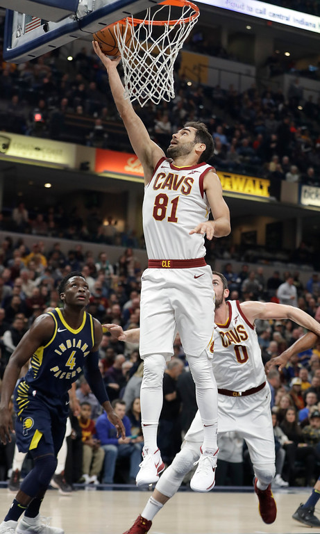 . Cleveland Cavaliers\' Jose Calderon (81) shoots in front of Indiana Pacers\' Victor Oladipo (4) during the first half of an NBA basketball game Friday, Dec. 8, 2017, in Indianapolis. (AP Photo/Darron Cummings)