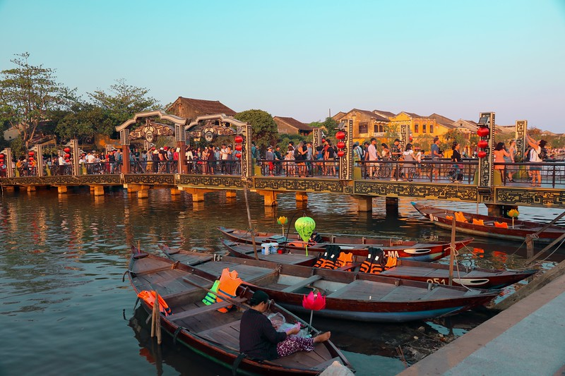 We arrived in Hoi An just in time for a sunset stroll