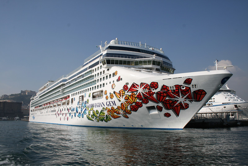 2008 - M/S NORWEGIAN GEM in Napoli.