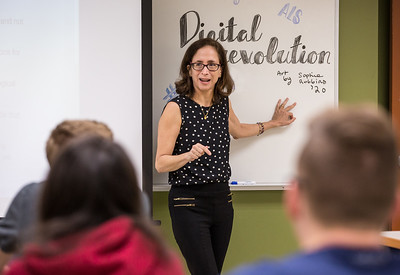 Samantha Phillips' Social Media Class - March 2, 2018
