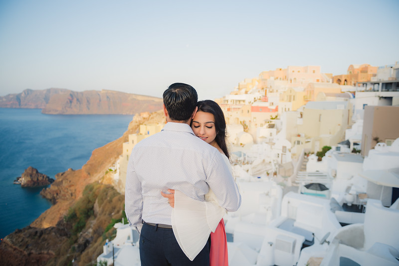 Santorini-sunrise-photo-shoot-anniversary-3.jpg