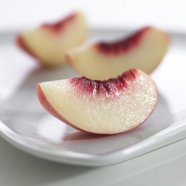 WF_Nectarine-slices.jpg