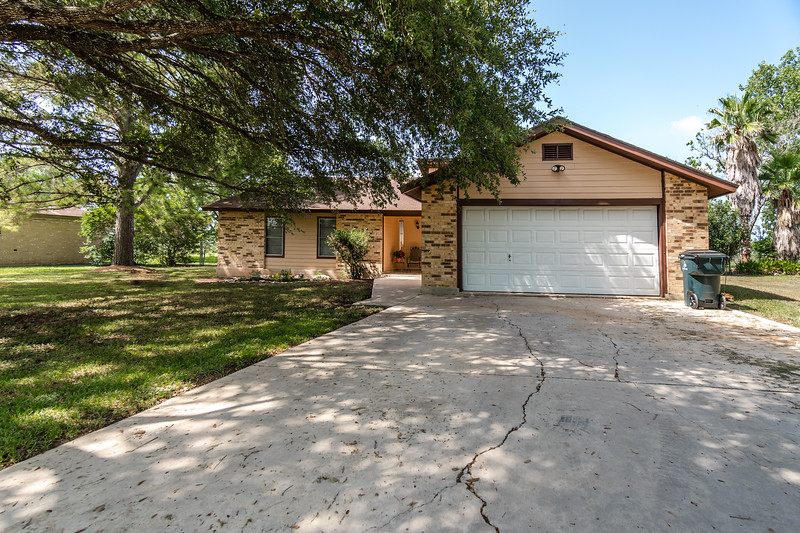 1066 Country Oaks Dr