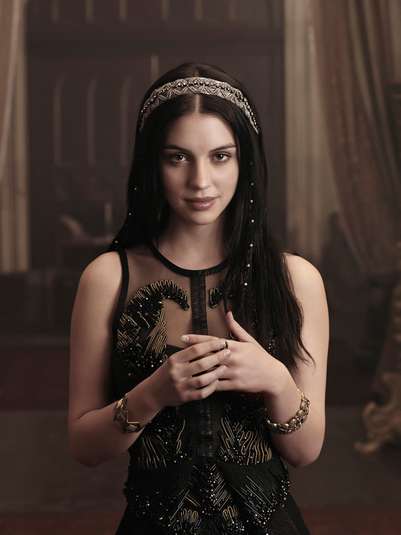 . Pictured: Adelaide Kane as Mary, Queen of Scots -- Photo: Mathieu Young/The CW -- © 2013 The CW Network, LLC.