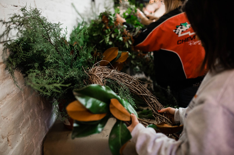 2019_12_18_wreath workshop_JE-8.jpg