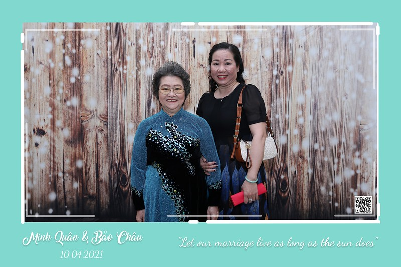 QC-wedding-instant-print-photobooth-Chup-hinh-lay-lien-in-anh-lay-ngay-Tiec-cuoi-WefieBox-Photobooth-Vietnam-cho-thue-photo-booth-013.jpg