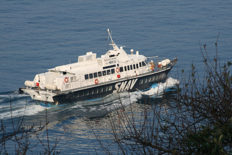2008 - Hydrofoil PANAREA departing from Capri.