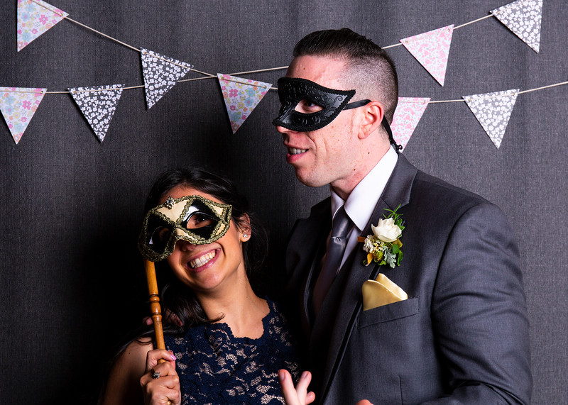 Montreal_Wedding_Photographer_Lindsay_Muciy_Photography+Video_M&E_PHOTOBOOTH_8.jpg