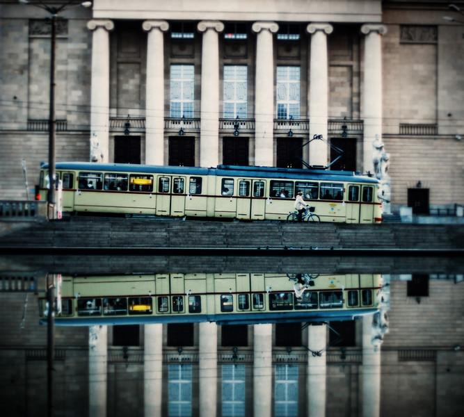 opera house reflection tram bike LRG.jpg