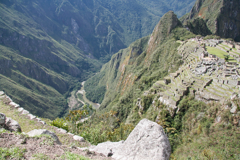 Another overview of the site - this time from the head of the trail leading to the Inca bridge.