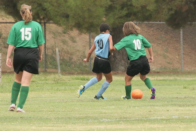Soccer2011-09-10 09-11-09.JPG