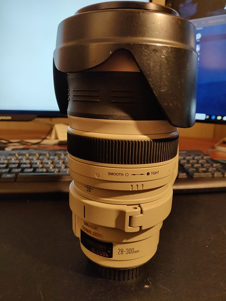 Canon EF 28-300mm 3.5-5.6L IS USM - Serial US0901 001.jpg
