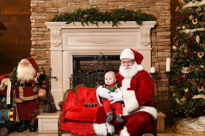 Santa2018.TylerBoye.-231.jpg