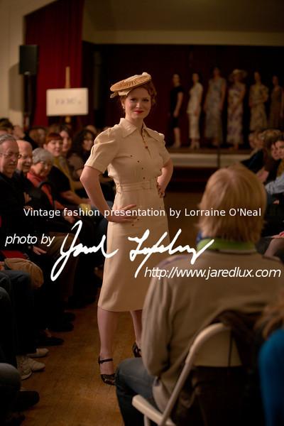 vintage_fashion_show_09_f0600328.jpg