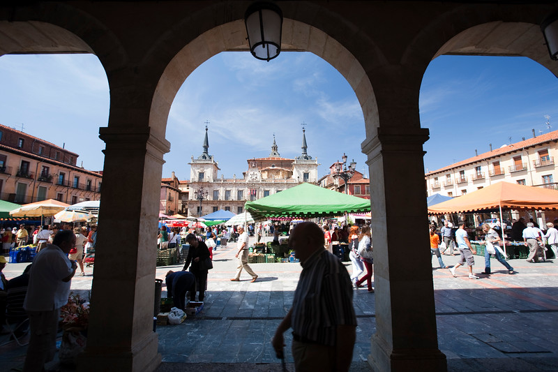 Market at Plaza Mayor (Main Square) Town of Leon, autonomous community of Castilla y Leon, northern Spain